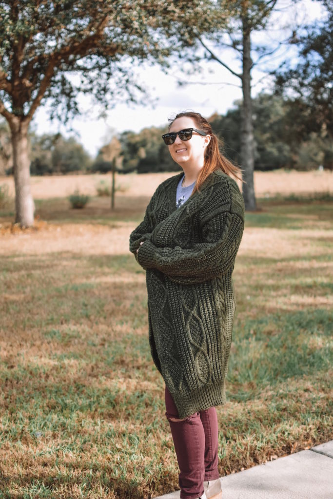 1ac679813301 Can anything be more perfect for Christmas festivities than a cozy green  cardi and red pants?! Tee put this outfit together for a cozy Christmas in,  ...